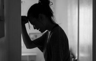 hvad er stress? kvinde symptomer