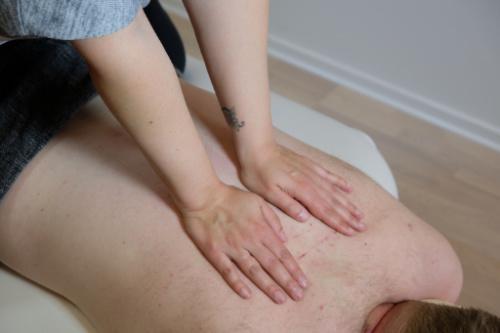 rygsmerter kropsterapi mand
